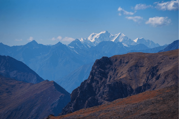 Karagemsky pass, view of the Katun ridge and Mount Belukha