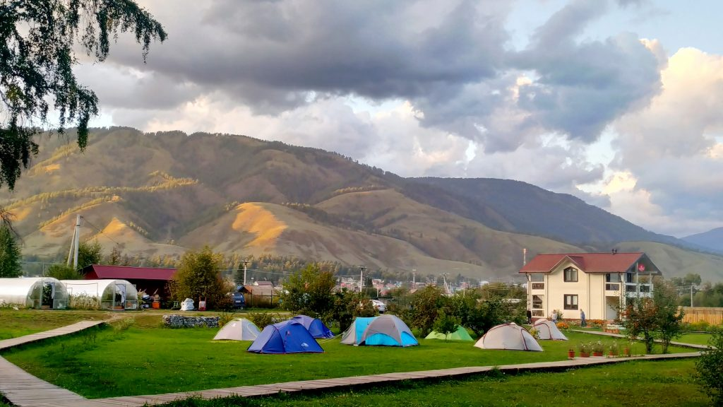 ночёвка в палатках в с. Усть-Кокса