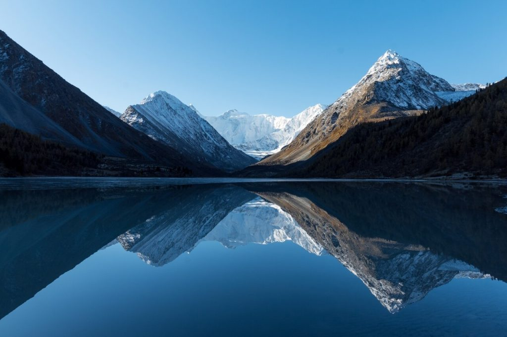 гора Белуха, озеро Ак-Кем