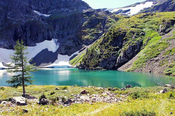 гора Красная, озеро Среднее, фото- Владимир Панкевич