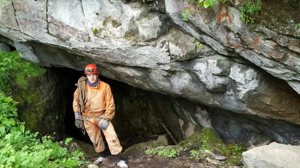 Экскурсия в Денисовы пещеры
